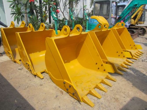 Jual spare part alat berat seperti bucket, kuku bucket, adapter tooth bucket.jpg